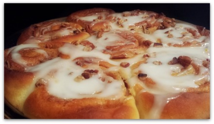 Grapefruit Glaze Pecan Cinnamon Rolls-grapefruit-glazed